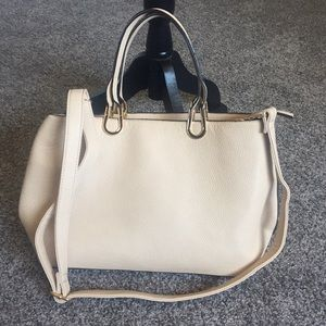 Handbags - Gorgeous tote, handled bag.  So much space